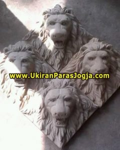 Relief Kepala singa.Rp.2000.000