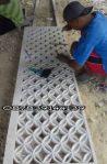 proses pembuatan ukiran batu