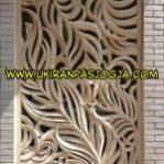 loster relief motif daunI