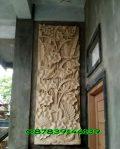 Relief tumbuhan dan burung