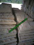 Batu tempel paras timbul