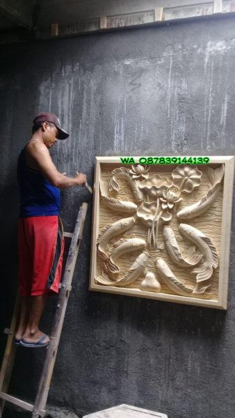 Ukiran batu alam  motif ikan koi -1x1 meter hub 0878-3914-4139.
